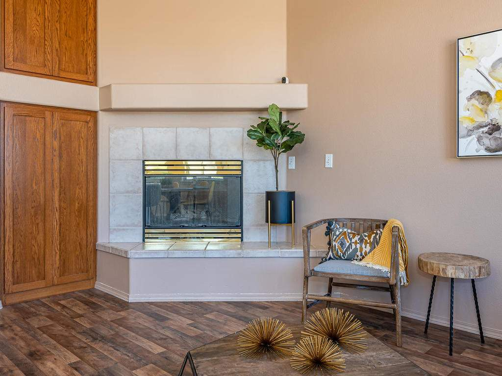 2102-Summit-Dr-Paso-Robles-CA-007-008-Living-Room-MLS_Size