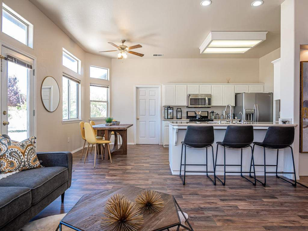 2102-Summit-Dr-Paso-Robles-CA-008-007-Living-RoomKitchenDining-Room-MLS_Size