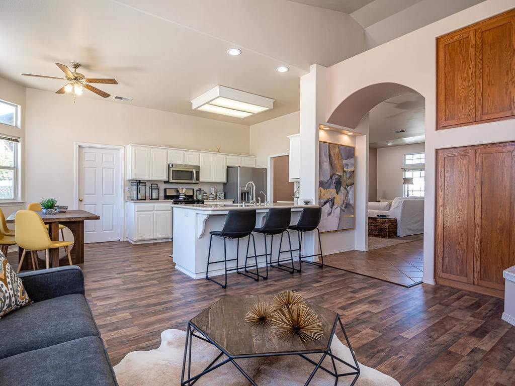 2102-Summit-Dr-Paso-Robles-CA-009-009-Living-RoomKitchenDining-MLS_Size