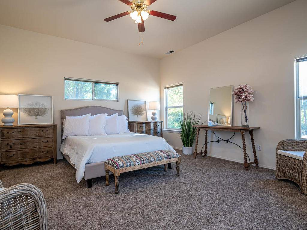 2102-Summit-Dr-Paso-Robles-CA-017-019-Master-Suite-MLS_Size