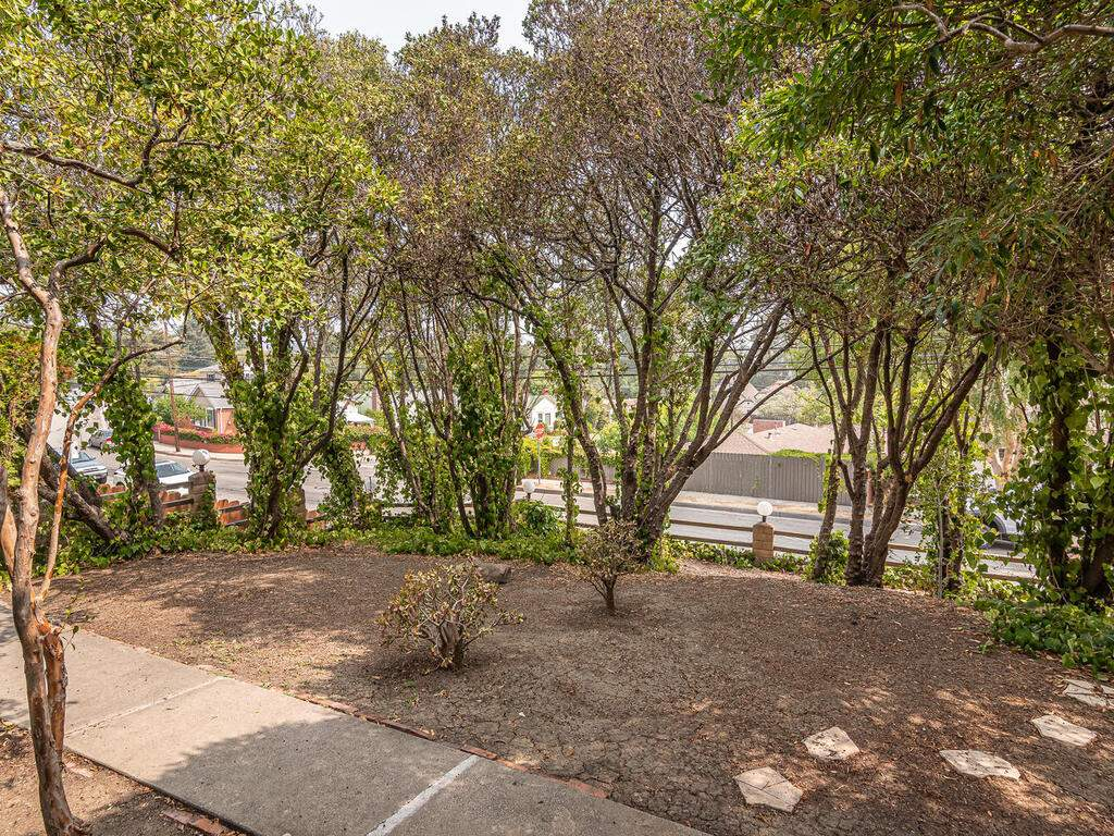 217-Broad-St-San-Luis-Obispo-005-014-Front-Yard-MLS_Size