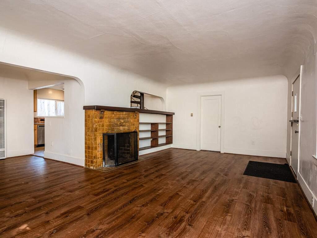 217-Broad-St-San-Luis-Obispo-007-005-Living-Room-MLS_Size