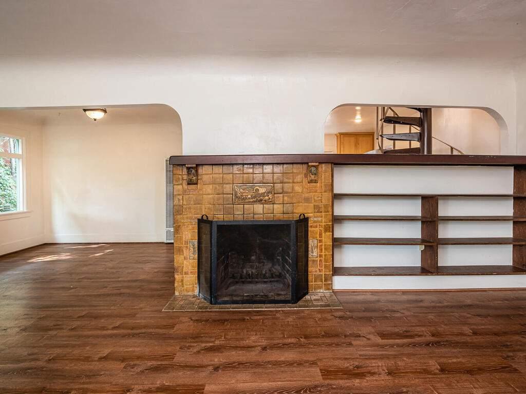 217-Broad-St-San-Luis-Obispo-008-012-Living-Room-MLS_Size