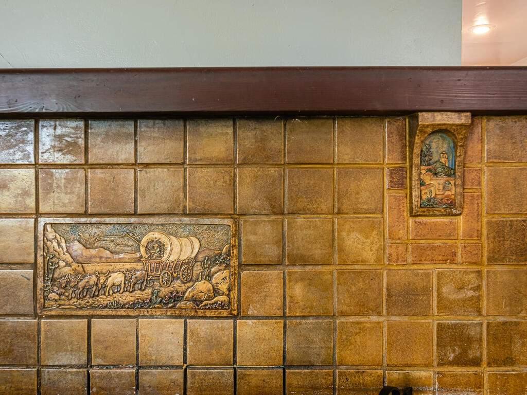 217-Broad-St-San-Luis-Obispo-009-010-Fireplace-Detail-MLS_Size