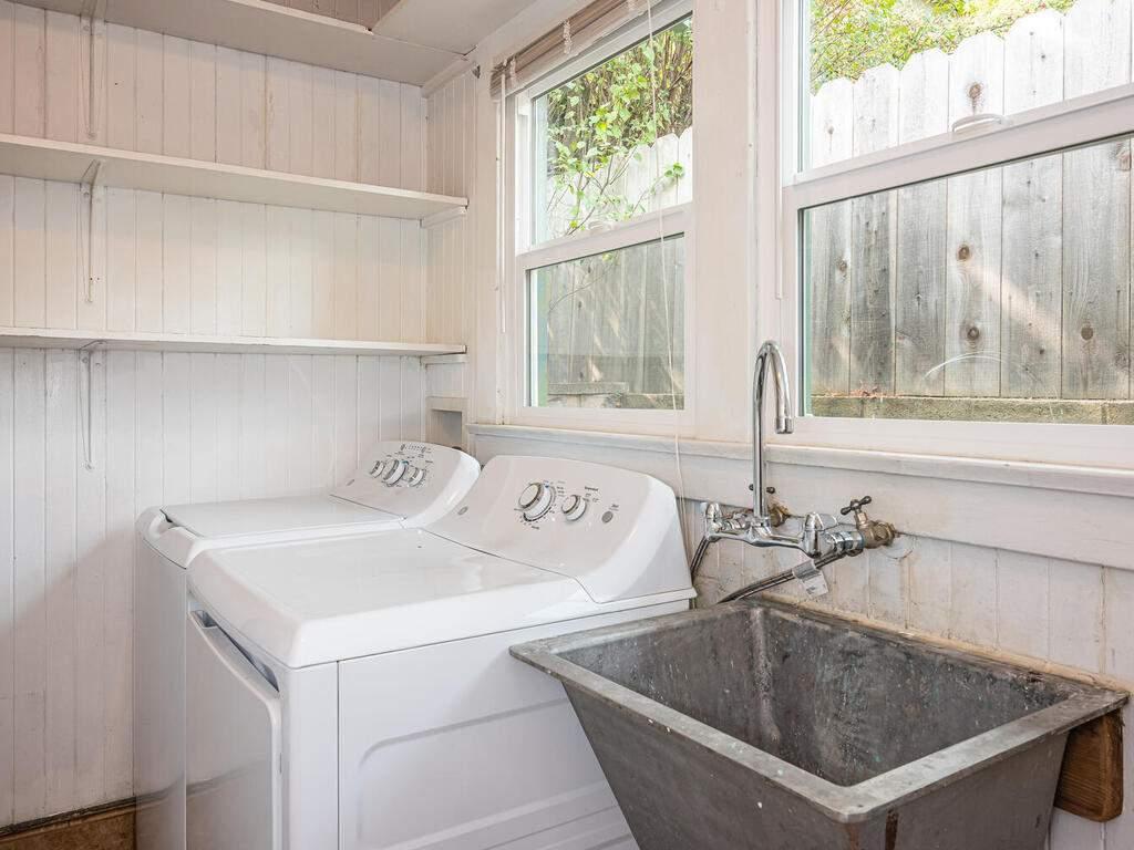 217-Broad-St-San-Luis-Obispo-025-026-Laundry-Room-MLS_Size