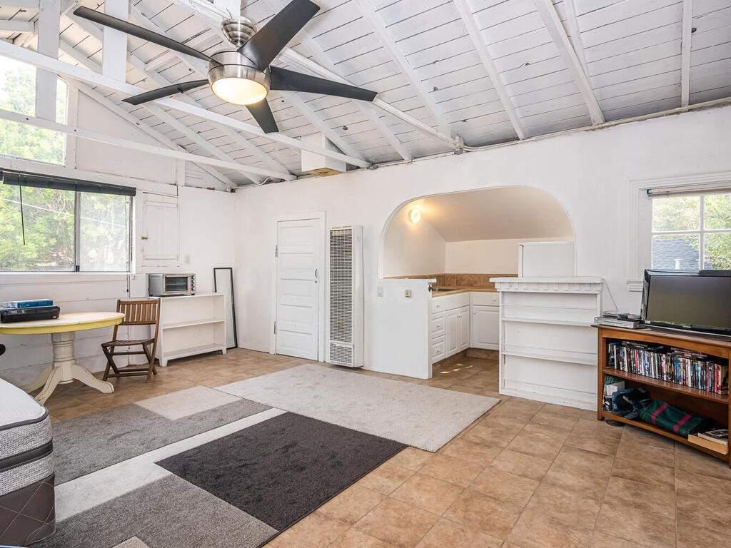 217-Broad-St-San-Luis-Obispo-031-031-Studio-MLS_Size