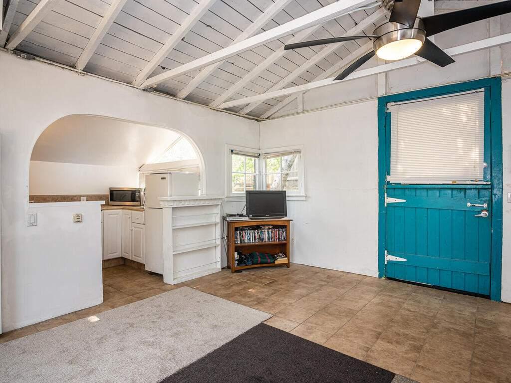 217-Broad-St-San-Luis-Obispo-032-036-Studio-MLS_Size
