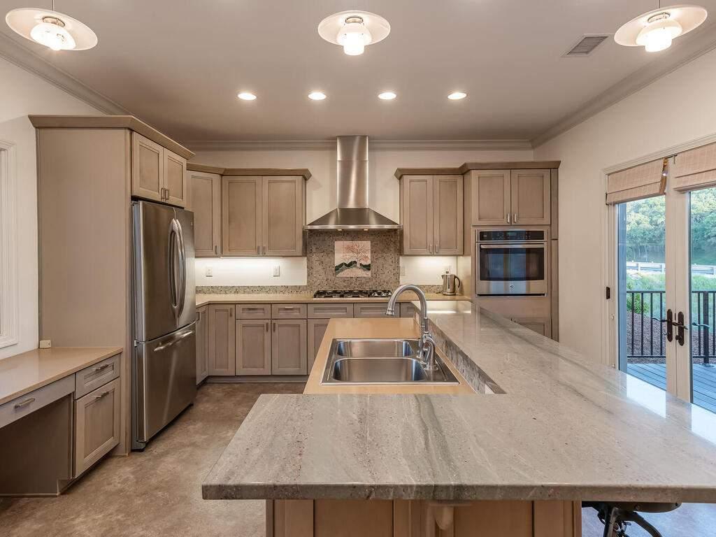 2197-Lake-Ysabel-Rd-Templeton-CA-93465-USA-012-007-Kitchen-MLS_Size