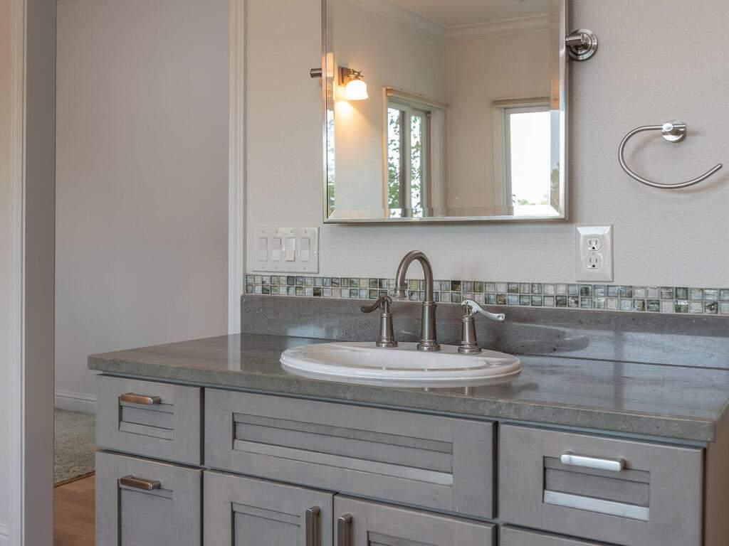 2197-Lake-Ysabel-Rd-Templeton-CA-93465-USA-022-015-Master-Suite-MLS_Size