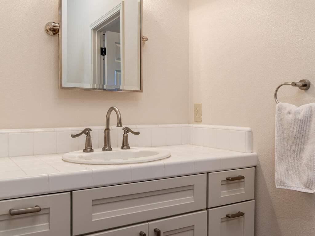 2197-Lake-Ysabel-Rd-Templeton-CA-93465-USA-027-025-Bathroom-2-MLS_Size