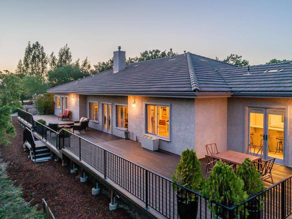 2197-Lake-Ysabel-Rd-Templeton-CA-93465-USA-033-043-Rear-Exterior-MLS_Size
