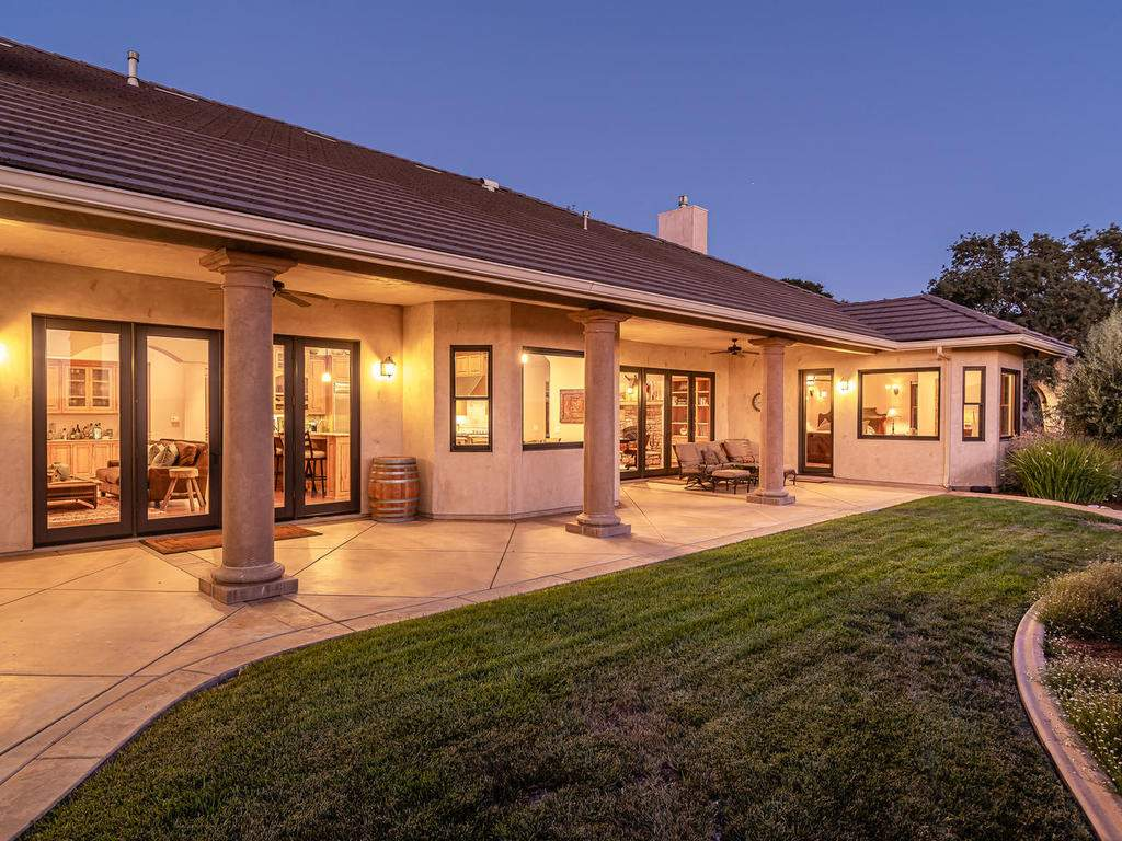 2225-Battering-Rock-Rd-050-047-Covered-Patio-MLS_Size