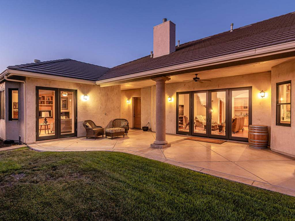 2225-Battering-Rock-Rd-051-043-Covered-Patio-MLS_Size