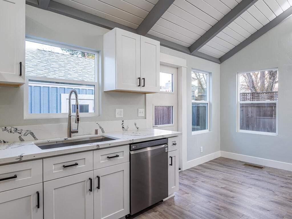 22263-J-St-Santa-Margarita-CA-009-012-KitchenDining-Room-MLS_Size
