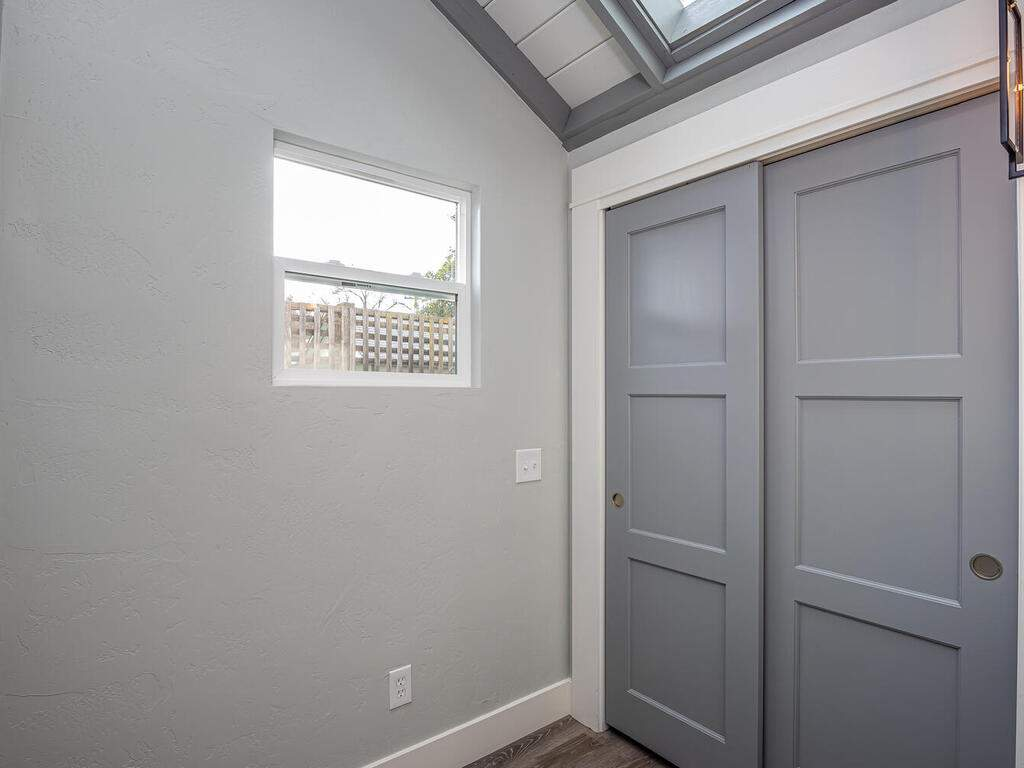 22263-J-St-Santa-Margarita-CA-012-013-Office-MLS_Size
