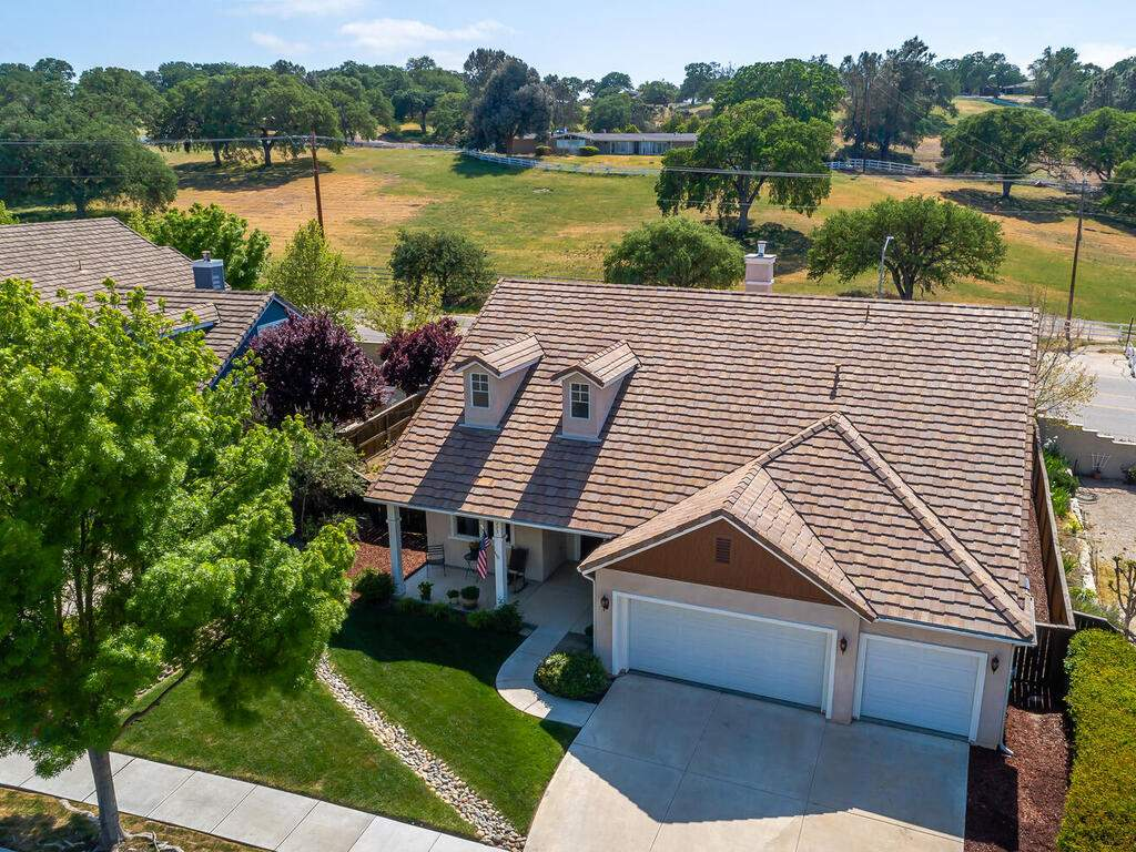 223-Silver-Oak-Dr-Paso-Robles-CA-93446-USA-001-005-Front-of-Home-MLS_Size