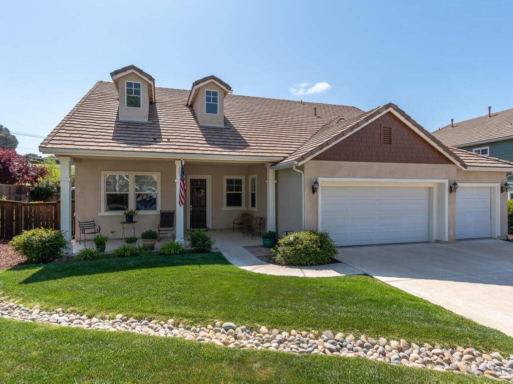 223-Silver-Oak-Dr-Paso-Robles-CA-93446-USA-002-003-Front-of-Home-MLS_Size