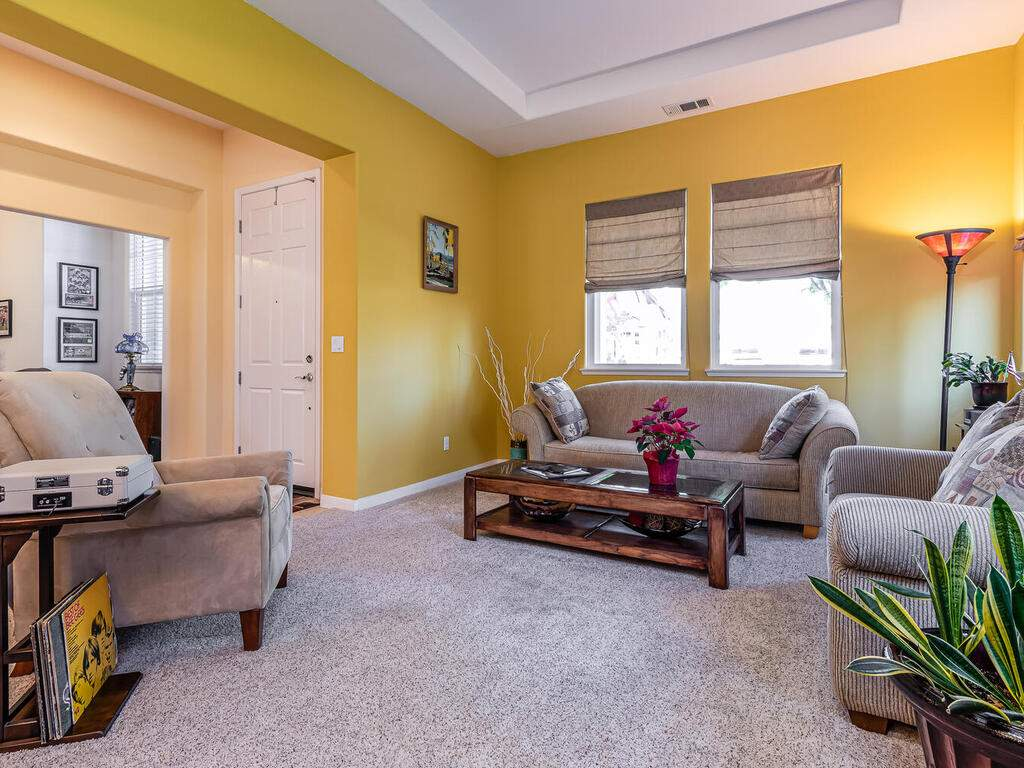 223-Silver-Oak-Dr-Paso-Robles-CA-93446-USA-004-002-Family-Room-MLS_Size