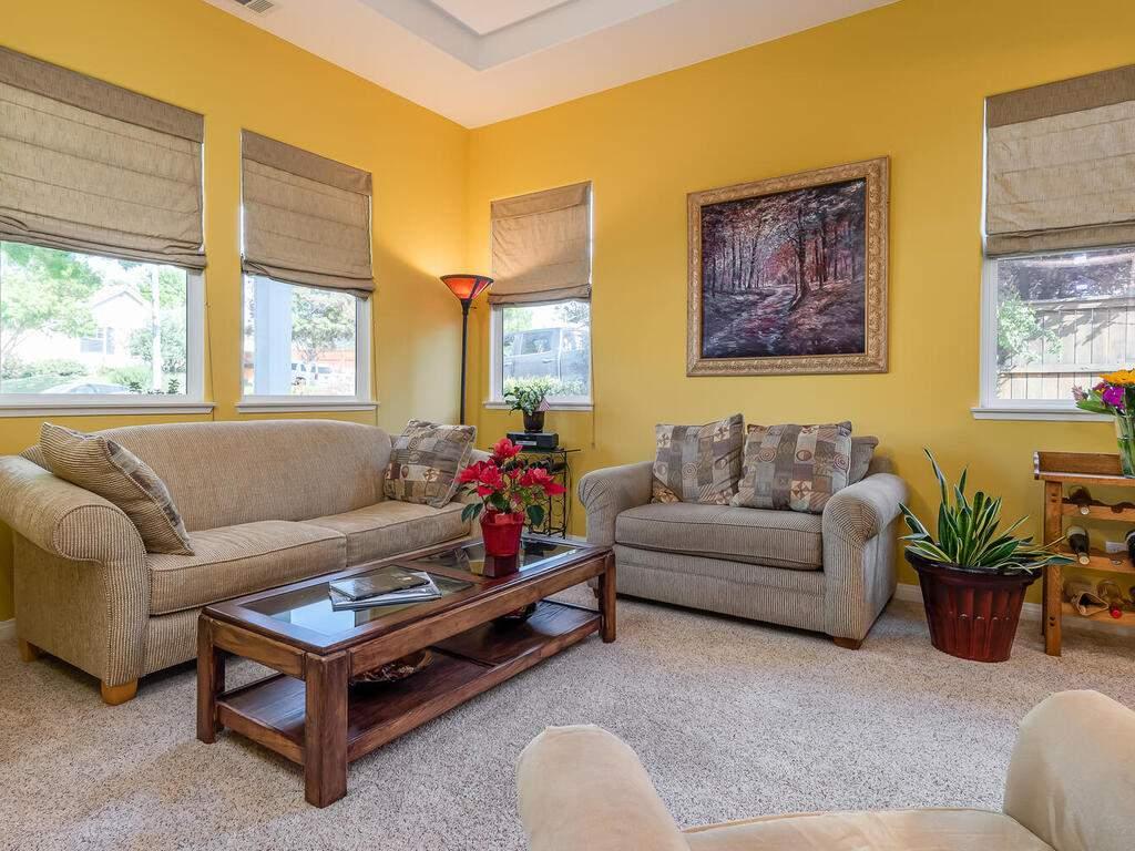 223-Silver-Oak-Dr-Paso-Robles-CA-93446-USA-005-004-Family-Room-MLS_Size