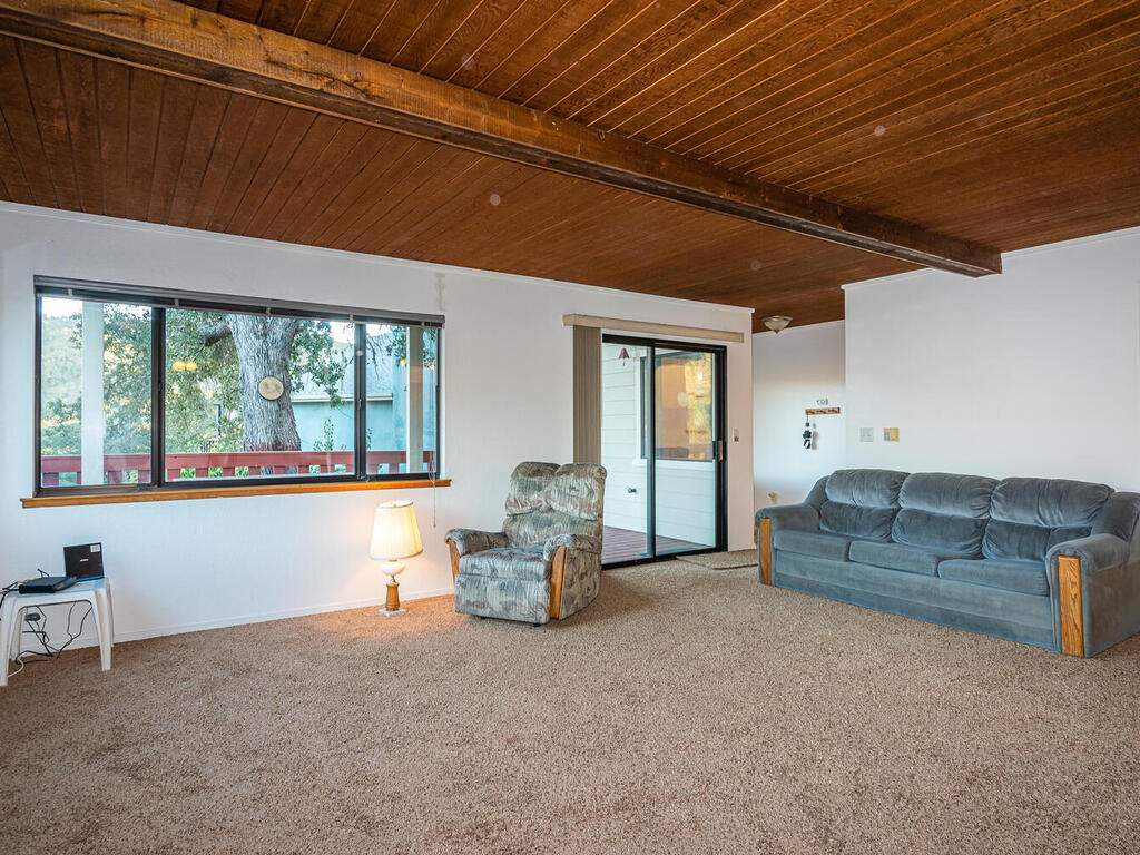 2311-Blue-Heron-Ln-Paso-Robles-007-003-Living-Room-MLS_Size
