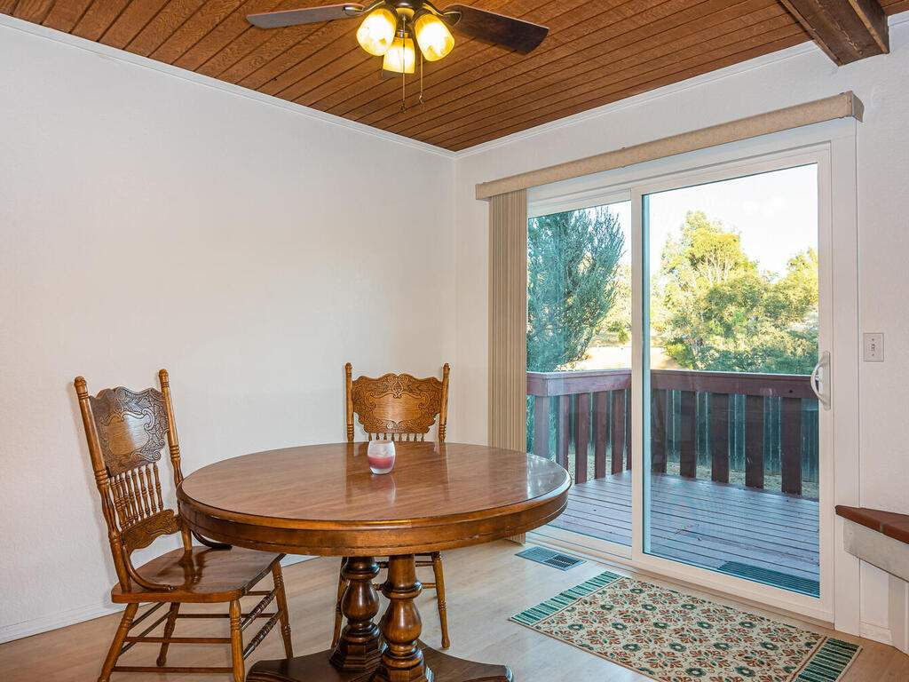 2311-Blue-Heron-Ln-Paso-Robles-011-010-Dining-Room-MLS_Size
