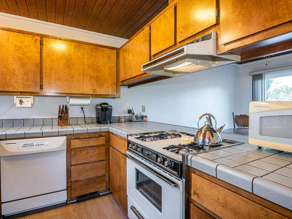 2311-Blue-Heron-Ln-Paso-Robles-013-013-Kitchen-MLS_Size