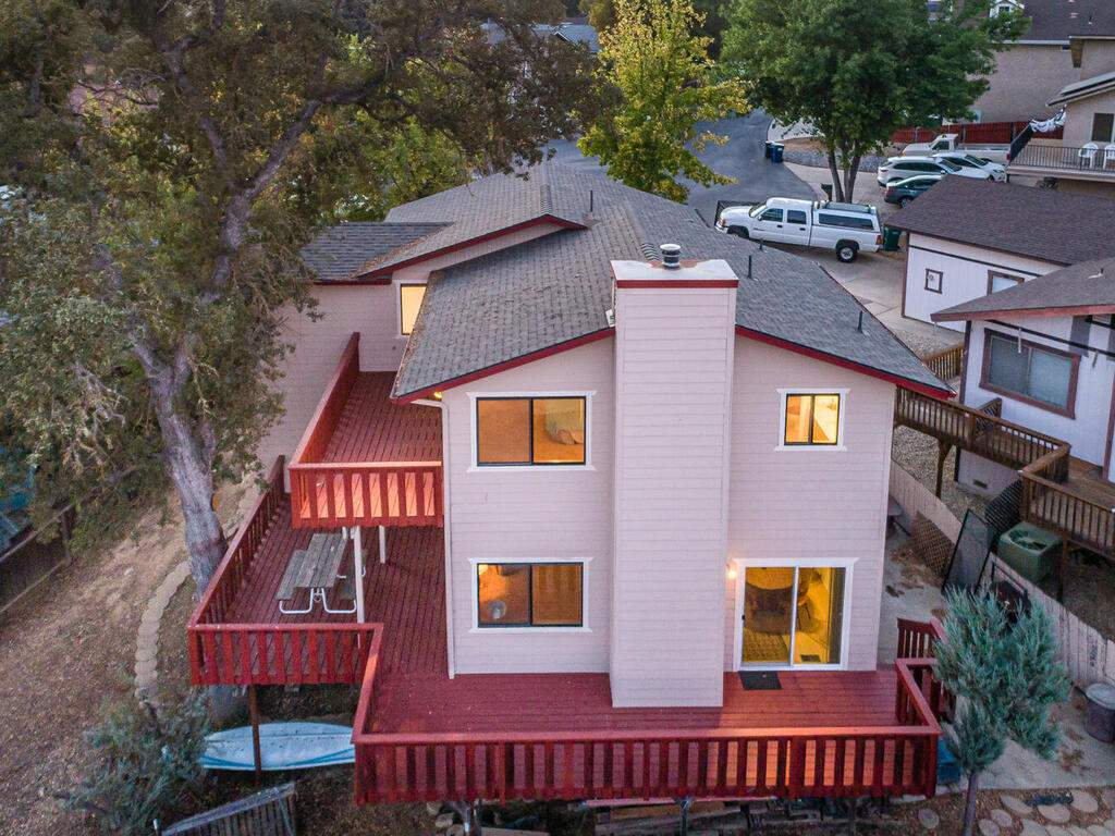 2311-Blue-Heron-Ln-Paso-Robles-033-028-Rear-of-Home-MLS_Size