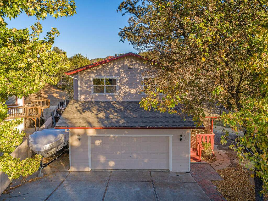 2311-Blue-Heron-Ln-Paso-Robles-043-042-Front-of-Home-MLS_Size