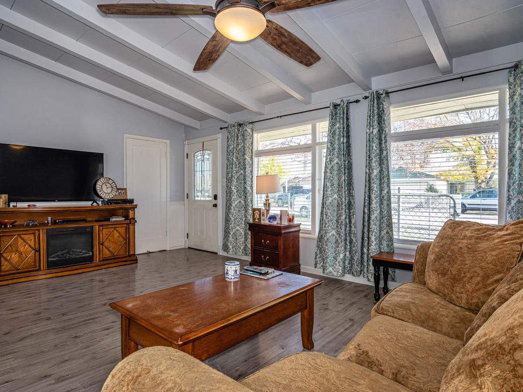 255-San-Augustin-Dr-Paso-004-003-Living-Room-MLS_Size