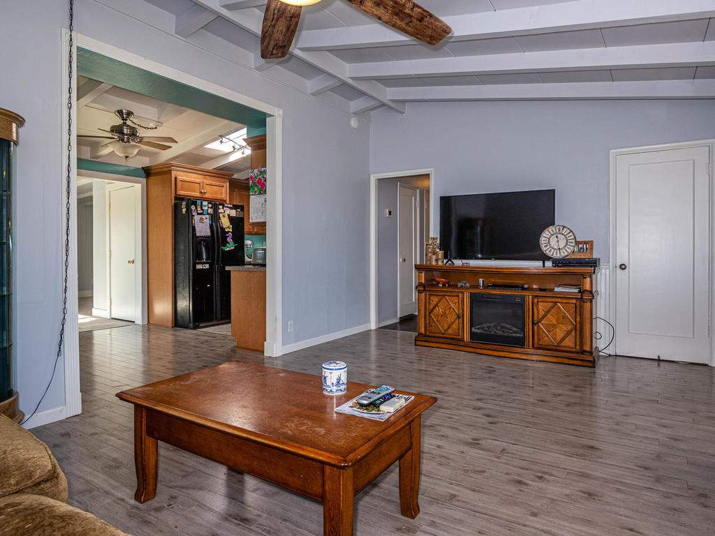255-San-Augustin-Dr-Paso-006-006-Living-RoomKitchen-MLS_Size