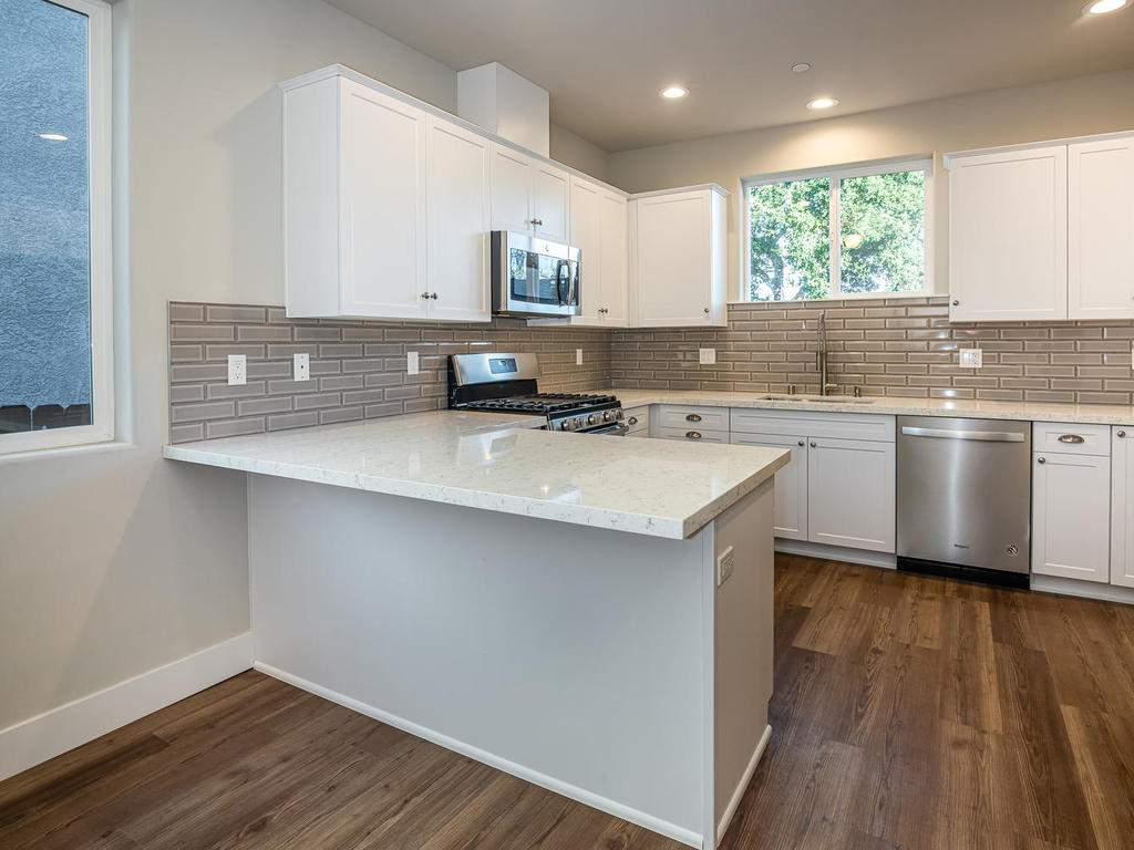 2938-Vine-St-Paso-Robles-CA-009-009-Kitchen-MLS_Size