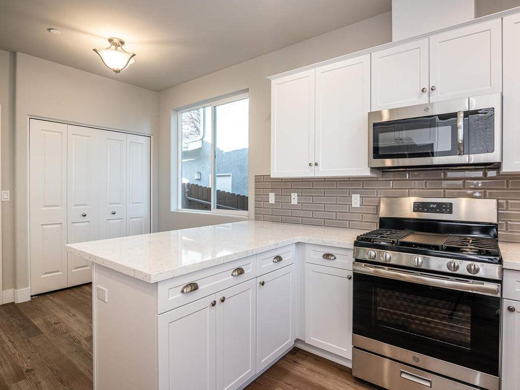 2938-Vine-St-Paso-Robles-CA-012-013-Kitchen-MLS_Size