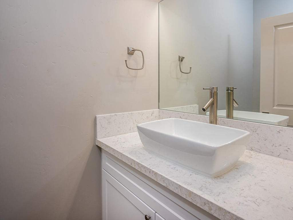 2938-Vine-St-Paso-Robles-CA-015-007-Powder-Room-MLS_Size
