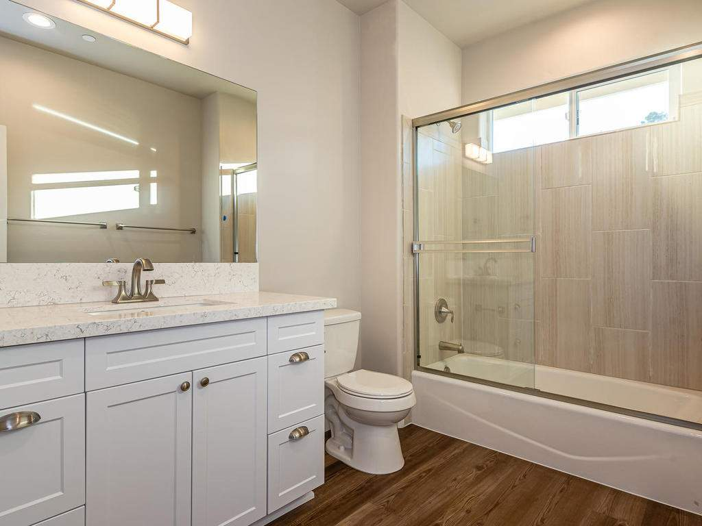 2938-Vine-St-Paso-Robles-CA-025-019-Bathroom-Three-MLS_Size