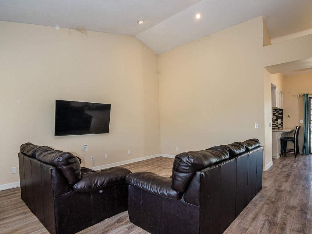 2950-Symphony-Oaks-Dr-006-004-Living-Room-MLS_Size