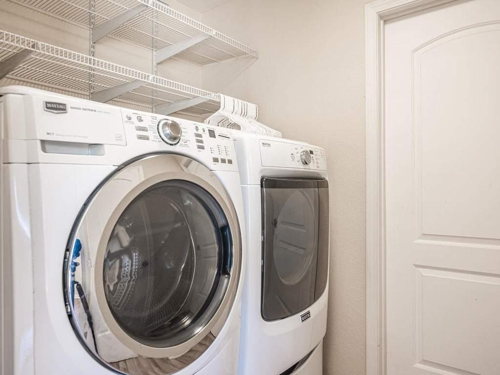 2950-Symphony-Oaks-Dr-024-028-Laundry-Room-MLS_Size