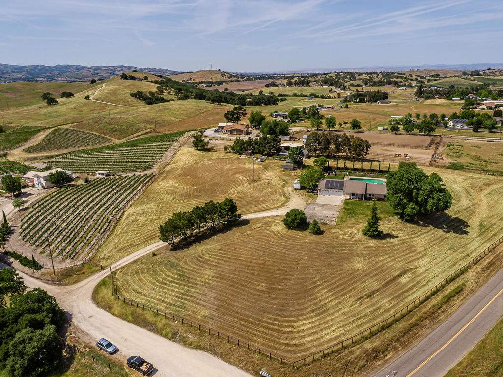 2950-Symphony-Oaks-Dr-036-039-Aerial-View-MLS_Size