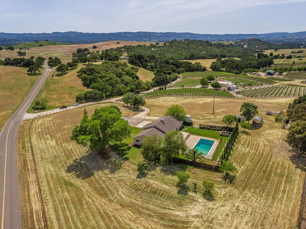 2950-Symphony-Oaks-Dr-037-037-Aerial-View-MLS_Size