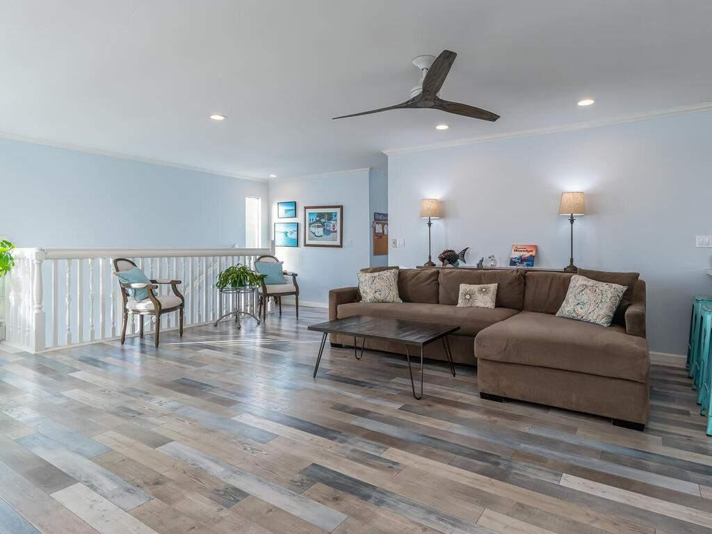 3191-Ocean-Blvd-Cayucos-CA-93430-USA-004-003-Living-Room-MLS_Size