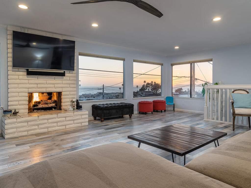 3191-Ocean-Blvd-Cayucos-CA-93430-USA-005-002-Living-Room-MLS_Size