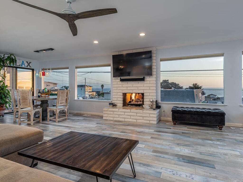 3191-Ocean-Blvd-Cayucos-CA-93430-USA-006-007-Living-Room-MLS_Size