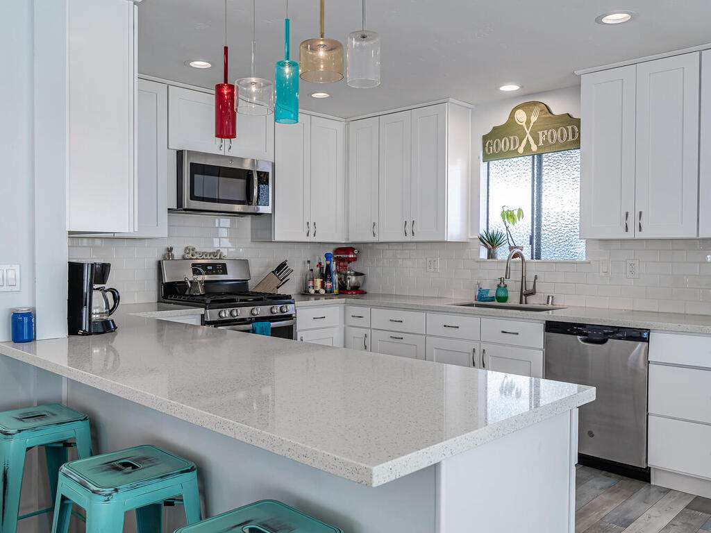 3191-Ocean-Blvd-Cayucos-CA-93430-USA-010-009-Kitchen-MLS_Size