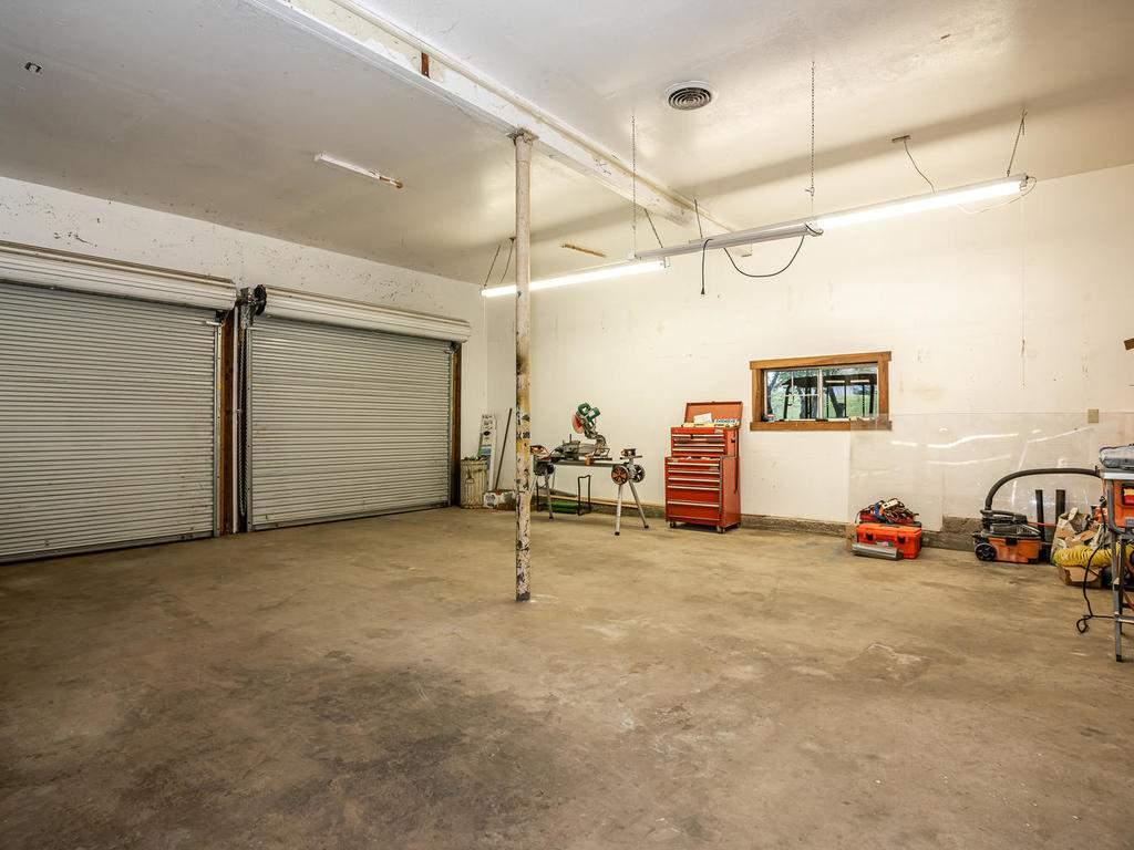 3928-Parkhill-Rd-Santa-027-025-Large-Garage-MLS_Size