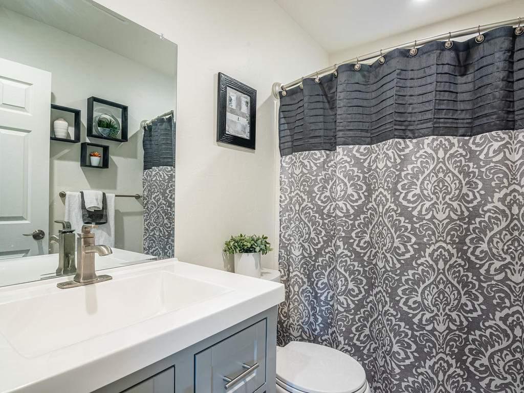4425-Tranquilla-Ave-Atascadero-036-049-Bathroom-Three-MLS_Size