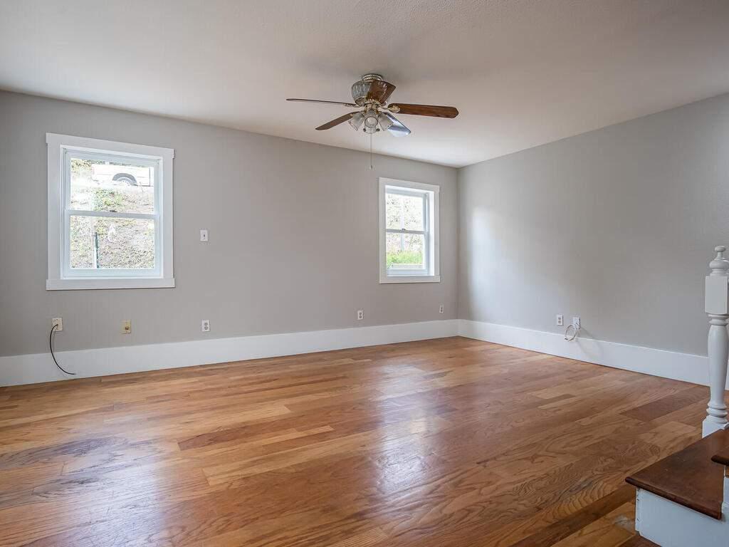 4450-Rosita-Ave-Atascadero-CA-93422-USA-009-007-Living-Room-MLS_Size