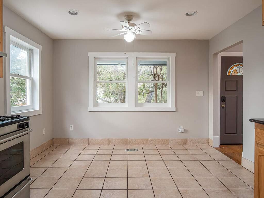 4450-Rosita-Ave-Atascadero-CA-93422-USA-010-016-Dining-RoomKitchen-MLS_Size