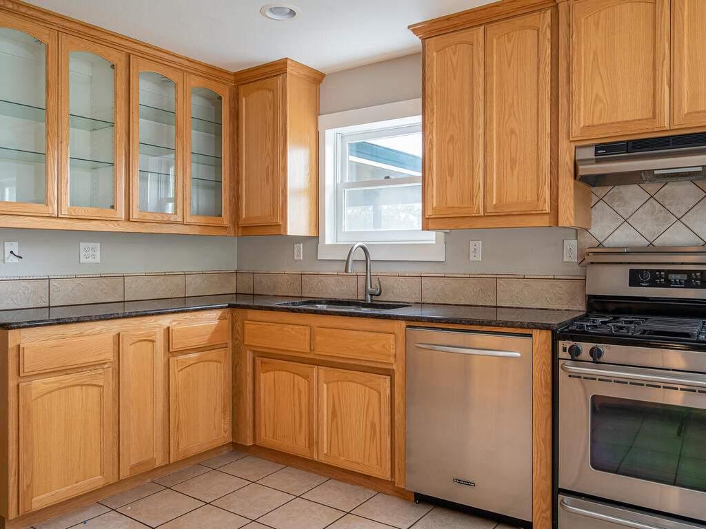 4450-Rosita-Ave-Atascadero-CA-93422-USA-011-010-Kitchen-MLS_Size