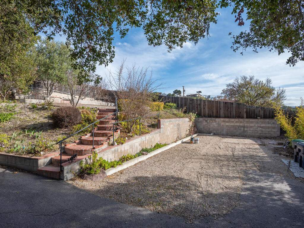 4450-Rosita-Ave-Atascadero-CA-93422-USA-031-035-Back-Yard-MLS_Size