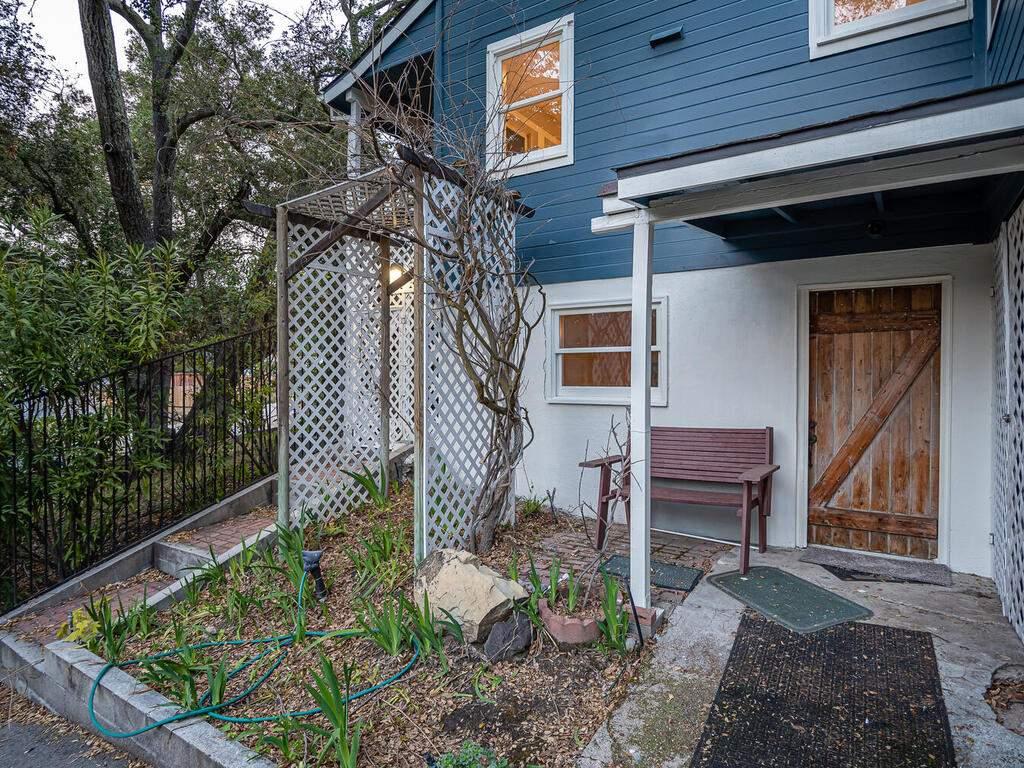 4450-Rosita-Ave-Atascadero-CA-93422-USA-034-031-Den-Entry-MLS_Size