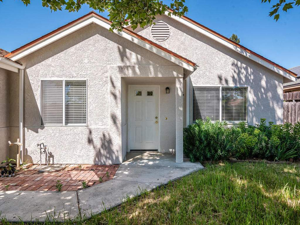 46-Lone-Oak-Way-Templeton-CA-002-006-Front-of-Home-MLS_Size